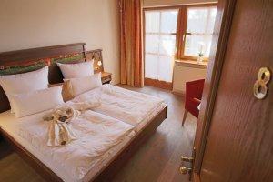 Zimmer 8 mit Abendsonne